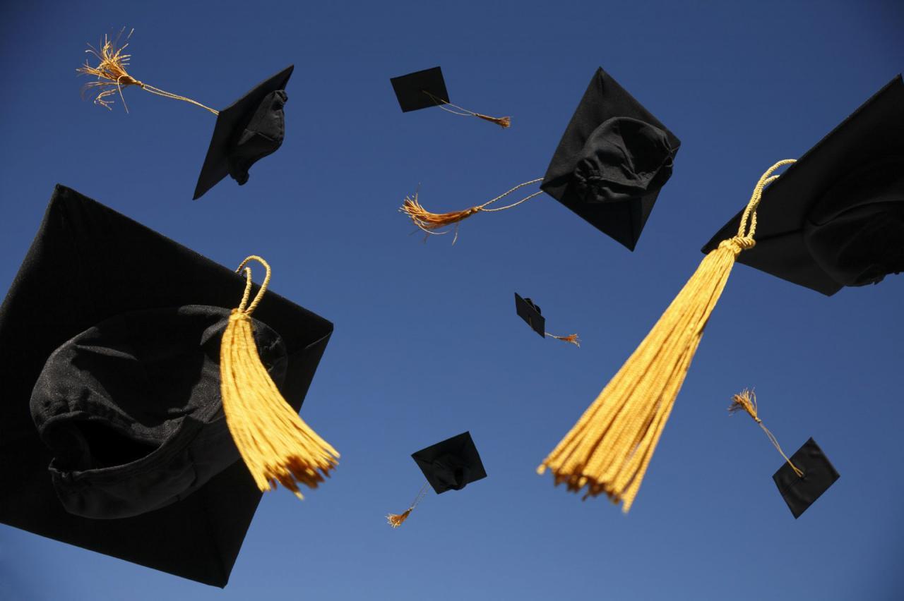 صورة صور تهنئة بالتخرج , مراحل التخرج في المراحل التعليميه