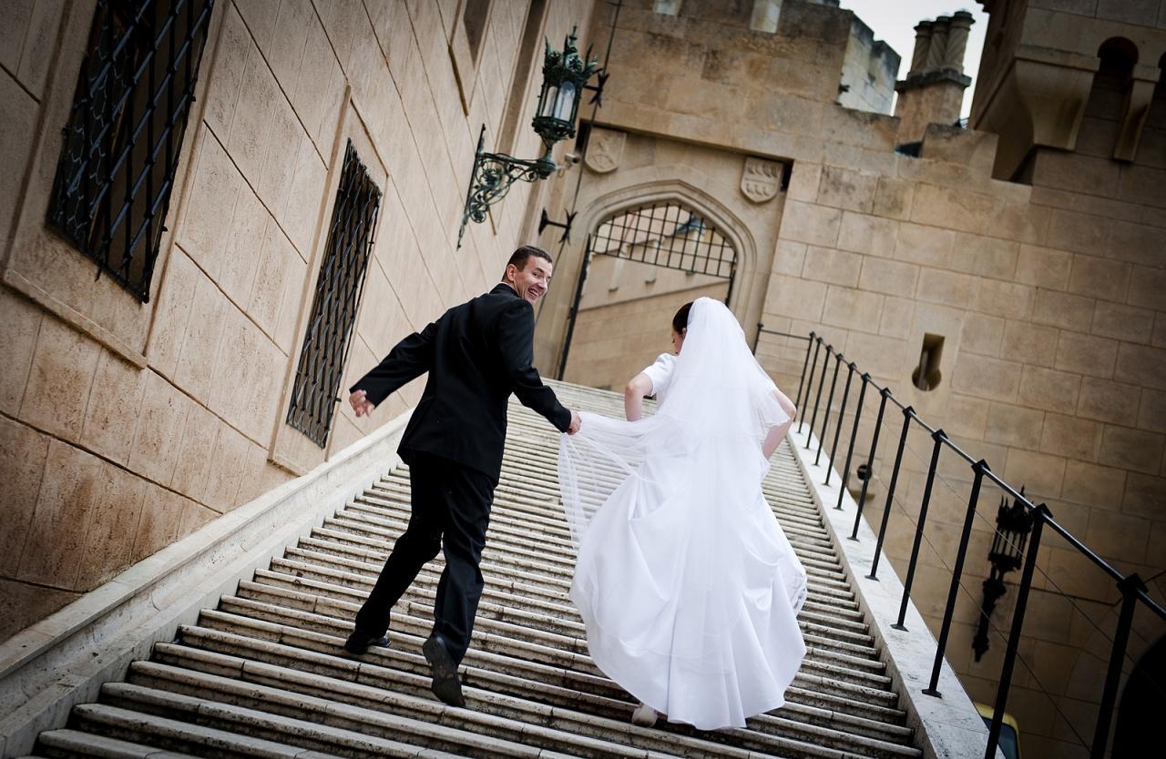 صورة اجمل لقطات العرسان , احلى صور للمتزوجين يوم الزفاف 2090 6
