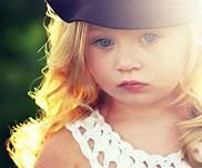 صورة تفسير حلم رؤية طفلة صغيرة جميلة , بشري رؤيه طفلة جميلة
