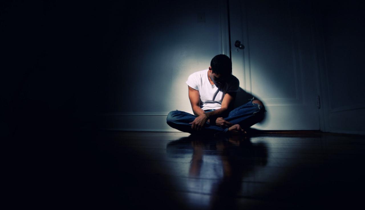 صورة اعراض التوحد عند الكبار , مرض التوحد عند الكبار مرض يعنى منه الكثير