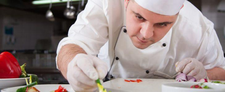 صورة تفسير حلم الطباخ , رؤية الطباخ في المنام