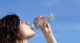 صورة المعدل الطبيعي لشرب الماء , ما المقدار الصحيح لشرب الماء للانسان