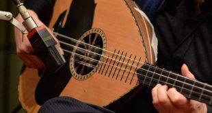 صورة اجمل عزف عود , الات موسيقية متنوعه