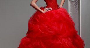 صورة فستان عروس احمر , احلى واجرئ فستان احمر