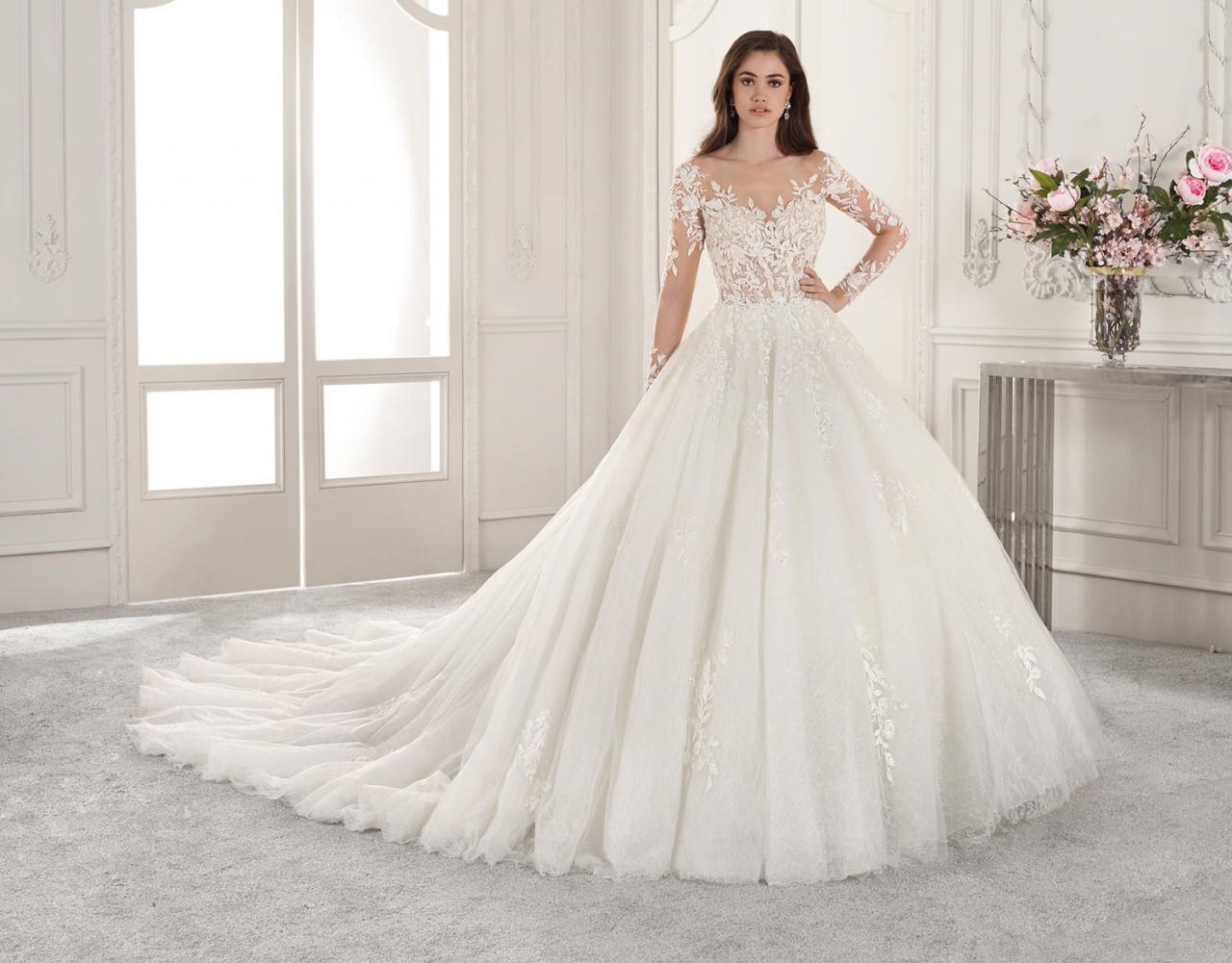 صورة اجمل فساتين عروس , تالقي في ليله العمر باجمل فستان