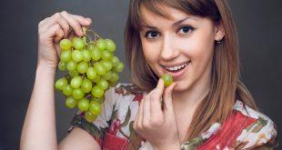 صورة تفسير حلم اكل العنب , ماذا يحدث عند تناول العنب في الحلم